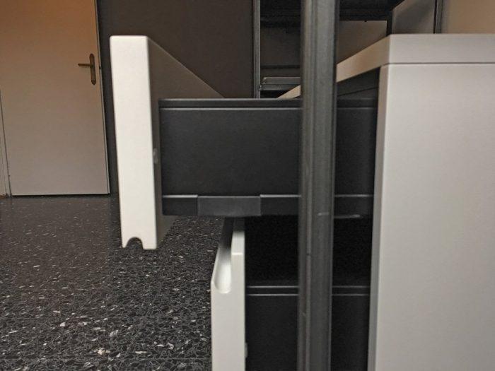 Cabina armadio in ferro crudo | MENEGATTI LAB