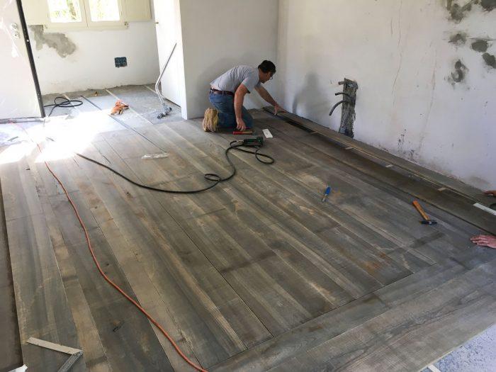 Posa pavimento in frassino - Menegatti Lab