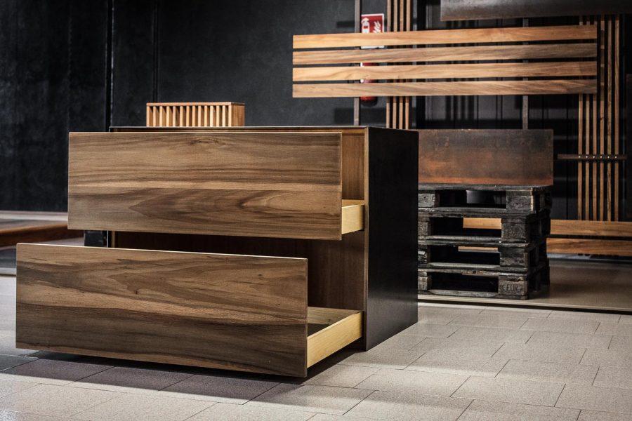 cassettiera in legno e ferro | Menegatti LAB